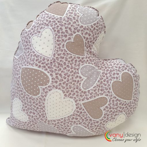 Декоративна възглавница Сърце - десен: сърце в кафяви нюанси Vany Design