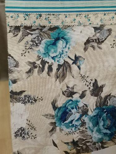 плътно сини едри рози