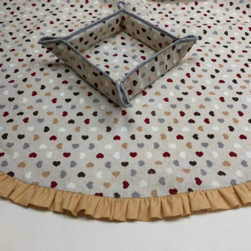 Правоъгълна покривка за маса Ситни сърца с добавени къдрички от Vany Design