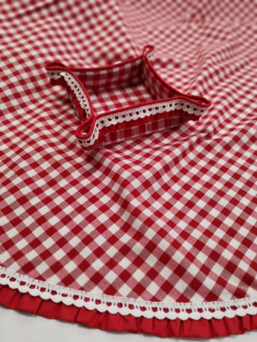 Правоъгълна покривка за маса 150/220 с добавена памучна дантела и къдрички  Vany Design