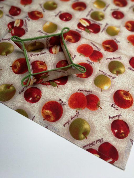 Елипсовидна покривка за маса Сочни ябълки Vany Design